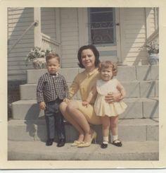 Vintage Photographs, Vintage Photos, Vintage Colors, Retro Vintage, Vintage Polaroid, Retro Party, Easter Outfit, Polaroids, Artistic Photography