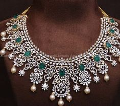 Antique Jewellery Designs, Gold Earrings Designs, Gold Jewellery Design, Necklace Designs, Diamond Necklace Set, Dimond Necklace, Emerald Necklace, Emerald Jewelry, Diamond Jewellery