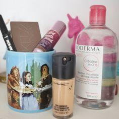 TEM VÍDEO NOVO MINHA GENTE! Vem ver os 5 produtinhos que eu me arrependo de ter comprado. É muita tristeza e bolso vazio pra uma it falida só  #maquiagem #maquiagemx #universodamaquiagem_oficial #pausaparafeminices #beleza #makeup #makeupartist #makeupaddict #makeupmurah #makeupforever #makeupartistsworldwide #beautyblogger #hudabeauty #amrezy #vegas_nay #beauty #wakeupandmakeup #undiscovered_muas #swatch #haul #instamakeup #cosmetic #review #makeupgeek #nikkietutorials #makeupjunkie…