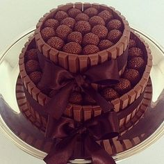 Imagem de cake, chocolate, and food Pretty Cakes, Cute Cakes, Yummy Cakes, Candy Cakes, Cupcake Cakes, Cake Recipes, Dessert Recipes, Decoration Patisserie, Food Cakes