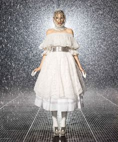 Harper's Bazaar US shoot an Alexander McQueen piece in New York's Museum of Modern Art (MoMA) the Rain Room!    Autumn/Winter 2013