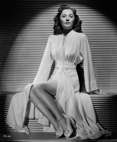 Yes; is she in old photo the gtrat #Star actrees #BarbaraStanwyck it in classic #Hollywood