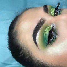 Green eyeshadow | green cut crease eyeshadow | lime green eyeshadow