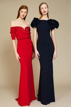 The complete Badgley Mischka Pre-Fall 2018 fashion show now on Vogue Runway. Runway Fashion, Fashion Outfits, Fashion Corner, Autumn Fashion 2018, Vintage Inspired Dresses, Designer Gowns, Fashion Show Collection, Badgley Mischka, Beautiful Gowns