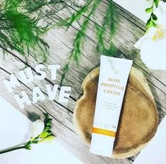 Aloe Propolis Creme Excellent as a skin moisturizer and conditioner, Aloe Propolis Creme is a rich blend of stabilized Aloe Forever Living Aloe Vera, Forever Aloe, Aloe Vera For Skin, Aloe Vera Gel, Propolis Creme, Bee Propolis, Aloe Vera Hair Growth, How To Apply Lipstick, Forever Living Products