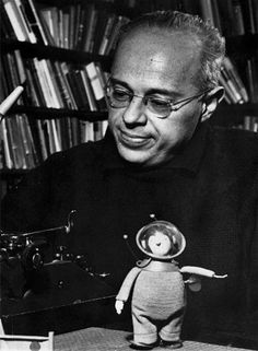 Polish writer of science fiction, philosophy and satire Stanislaw Lem is considered to be one of the most widely read science fiction writer in the world Pulp Fiction, Science Fiction, Vampire Legends, Humorous Short Stories, The Transfiguration, World Literature, Pope John Paul Ii, George Clooney, Atheist