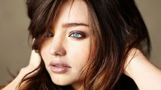 A former Victoria's Secret Angel, Miranda Kerr is noted for her holistic approach to her body a...
