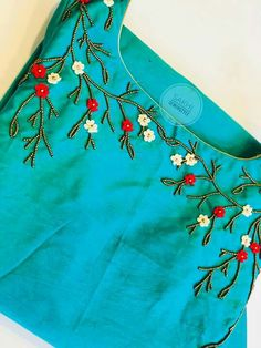 Hand Embroidery Dress, Embroidery On Kurtis, Kurti Embroidery Design, Embroidery Neck Designs, Hand Embroidery Videos, Bead Embroidery Patterns, Embroidery On Clothes, Embroidery Works, Simple Embroidery