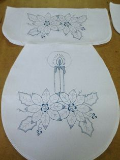 Juegos de baño Embroidery Flowers Pattern, Hand Embroidery Designs, Embroidery Applique, Flower Patterns, Christmas Embroidery, Christmas Fabric, Christmas Crafts, Boy Quilts, Diy And Crafts