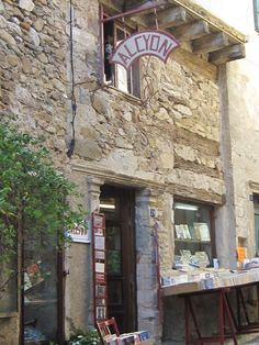 Montolieu bookshop