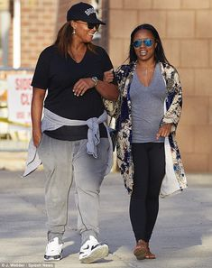 Out and About: Queen Latifah & Girlfriend Eboni Nichols Stroll Arm-in-Arm in NYC [Photos] Marriage Couple, Gay Couple, Queen Latifah Girlfriend, Queer Fashion, Fashion Music, Black Lesbians, Girlfriend Goals, Celebrity Faces, Lgbt Wedding