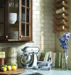 What's not to love about this period-perfect kitchen? From Southern Living and myhomeideas.com