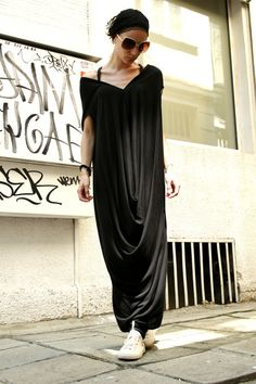 Black Kaftan / Extravagant Dress /  Black Maxi Dress  por Aakasha