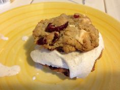 Homemad Ice Cream Cookie Sandwhich- Im not a dessert person but this looks amazing.