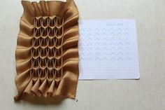 How to do canadian smocking matrix design - Art & Craft Ideas Textile Manipulation, Fabric Manipulation Techniques, Textiles Techniques, Sewing Techniques, Smocking Tutorial, Smocking Patterns, Sewing Patterns, Sewing Hacks, Sewing Tutorials