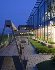 Google Offices London by Renzo Piano
