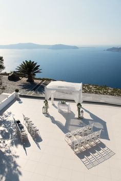 Venue: Le Ciel, Santorini. Imerovigli. Styled by Betty Flowers Santorini & Confetti and Co Australia.