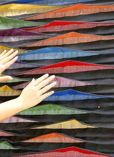 cores vivas textile installation by manuela leite