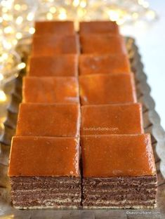 niste foi subtiri si aerate este bine sa le preparam in transe a cate Dessert Cake Recipes, Sweets Recipes, Easy Desserts, Dobos Torte Recipe, Helathy Food, Hungarian Desserts, Homemade Sweets, Yummy Cookies, Food And Drink