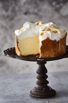 Lemon Desserts, Sweet Desserts, Just Desserts, Sweet Recipes, Delicious Desserts, Lemon Meringue Cheesecake, Cheesecake Recipes, Dessert Recipes, Pie Cake