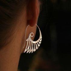 Große Flügel Ohrringe - Silber von Zephyr 9 Design auf DaWanda.com