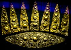 Gold Elliptical Diadem with Leaf-Shaped Pieces . Mycenaean, Grave of the Women. 16th century BC.