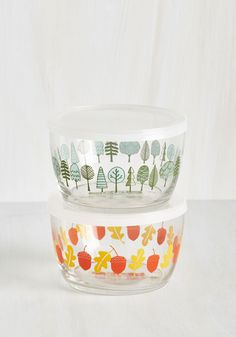 Pack in the Day Container Set. Add a touch of vintage-inspired charm to parkside picnics and packed lunches with these darling clear containers! #multi #modcloth