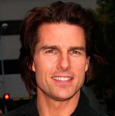 SHORT STUFF §§ 20 Male Celebrities Who Are Shorter Than You Think §§ 18. TOM CRUISE 5'7″ Short stature, check. Big ego, check. Larger than life personality, check. Hmm…we're sensing a pattern here, and it doesn't stop with this guy. Tom Cruise stands four inches shorter than former wife Nicole Kidman and two inches shorter than his most recent ex, Katie Holmes. Tom's stature hasn't stopped him from being a heartthrob, though it is probably Cruise's biggest insecurity about himself.