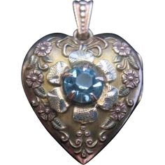 Vintage 10K GF Puffy Heart Locket with Floral-Ribbon and Rhinestone Design