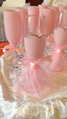 Bling Store Coming Soon! – Girl With A Passport Glitter Wine Glasses, Wedding Wine Glasses, Diy Wine Glasses, Decorated Wine Glasses, Hand Painted Wine Glasses, Glitter Gifts, Wine Glass Crafts, Wine Bottle Crafts, Partys