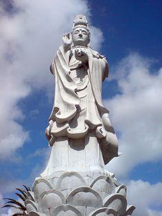 Jardim Buddha Eden no Bombarral, Portugal - 20 metre tall Goddess figure