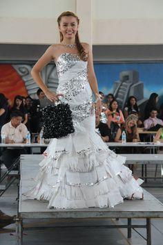 Vestido reciclado #dress #recycle #costal #reciclaje #prepa9