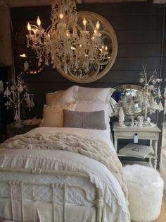Love the dark reclaimed/repurposed wood headboard paired with the white duvet Shabby Chic Grey, Shabby Chic Bedrooms, Shabby Chic Furniture, Master Bedroom Design, Home Bedroom, Bedroom Decor, Master Bedrooms, Bedroom Ideas, Dream Decor