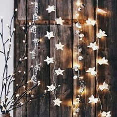 A Uniquely Enchanted Christmas Inspiration deco decoration christmas noel Decoration Christmas, Noel Christmas, Christmas Is Coming, Rustic Christmas, All Things Christmas, Winter Christmas, Christmas Crafts, Holiday Decor, Star Christmas Lights