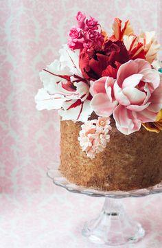 Passion Fruit Chocolate Cake — Lulu's Sweet Secrets #sugarflowers #sugartulips #sugarhyacinthus #sugarflowers #spring #cake #passionfruit #chocolate