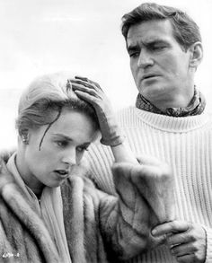 "Tippi Hedren and Rod Taylor in ""The Birds"" (1963). COUNTRY: United States. DIRECTOR: Alfred Hitchcock."