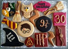The big box of cookies :) Box size is Homemade and hand decorated delicious vanilla cookies Harry Potter Gift Box, Harry Potter Desserts, Gateau Harry Potter, Harry Potter Cupcakes, Cumpleaños Harry Potter, Harry Potter Birthday Cake, Harry Potter Baby Shower, Harry Potter Themed Party, Harry Potter Theme Cake