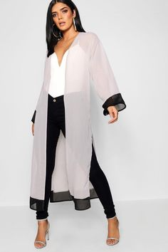 High Fashion Outfits, Look Fashion, Trendy Fashion, Fashion Dresses, Fashion Design, Fashion Trends, Long Kimono Outfit, Kimono Cardigan, Long Cardigan