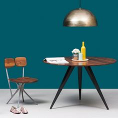 SOHO DINING TABLE - ROUND