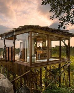 Tree house in Lions Sands Private Game in South Africa More news about worldwide cities on Cityoki! http://www.cityoki.com/en/ Plus de news sur les grandes villes mondiales sur Cityoki : http://www.cityoki.com/fr/