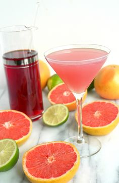 Refreshingly tart and delicious, this Grapefruit Cranberry Martini will have you in fun mode in no time. A few sips of this delightful cocktail and you will forget all about winter! Grapefruit Martini, Grapefruit Juice And Vodka, Cranberry Juice And Vodka, Cranberry Martini, Refreshing Cocktails, Summer Drinks, Cocktail Drinks, Fun Drinks, Beverages