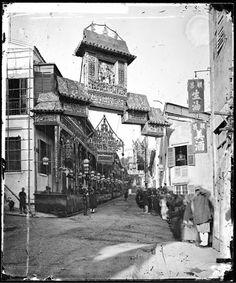 およそ150年前の中国(清朝)を撮影したモノクロ・ビンテージ写真 > エディンバラ公のお出迎え(香港、1869年)