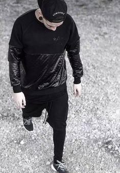就是愛黑色!全身黑太單調? 簡單 4 招幫你步上秋冬型男之路 - JUKSY 街星