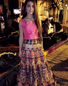 Indian Lehenga, Pakistani Wedding Dresses, Tie Dye Skirt, Beautiful Dresses, Sequin Skirt, Sequins, Bohemian, Floral, Skirts