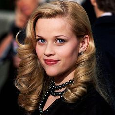 Look of the Day photo | Reese Witherspoon - 2001