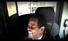 Má váš přítel nebo známý narozeniny a vy ho chcete překvapit něčím opravdu originálním? Tak se koukněte, co vymyslel jeden chlápek pro svého nejlepšího přítele, který je řidič autobusu!