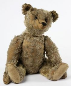 A gorgeous gold Yorkshire cloth plush jointed teddy bear, Steiff, 1905-10, Germany  © Victoria and Albert Museum