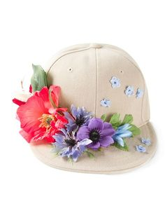 Shop Piers Atkinson flower appliqué baseball cap in Elite from the world's best independent boutiques at farfetch.com. Over 1000 designers from 300 boutiques in one website.
