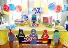 lego-superhero-food-table star balloons are great for super hero party Avengers Birthday, Batman Birthday, Lego Birthday Banner, Lego Banner, 4th Birthday, Superhero Birthday Party, 3rd Birthday Parties, Birthday Cake, Birthday Ideas