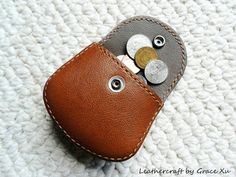 100% hand stitched handcraft med brown leather Ipod/ ear buds / earphone / coin / case / pouch